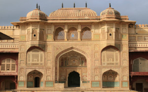 Painted-Palace-Amber-Fort-Jaipur-India (2)