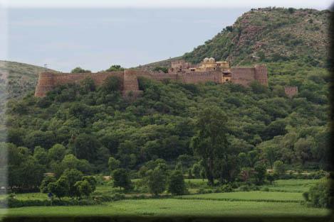 ramathra-fort-karauli